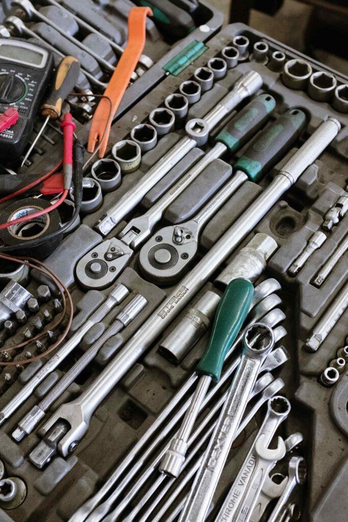 Werkzeuge für ein Fahrwerk- & Antrieb-Service